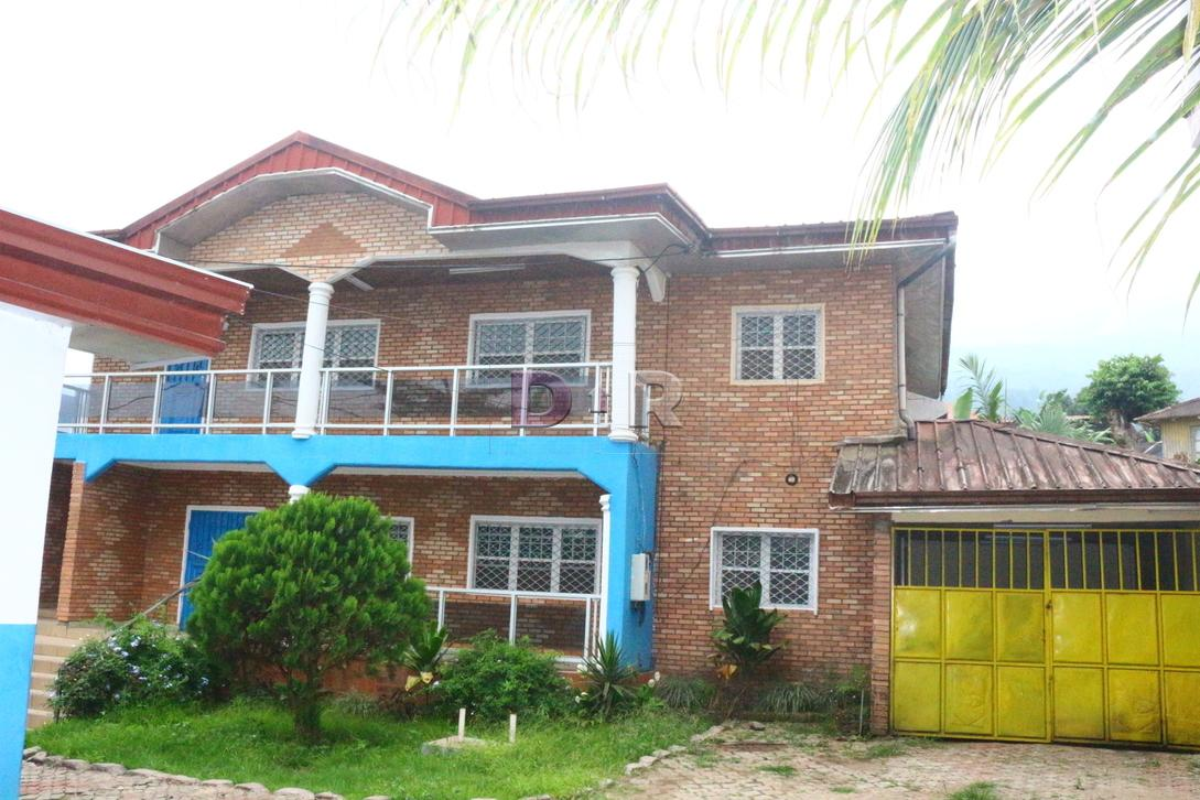 Magnificent duplex in quiet and very secure location