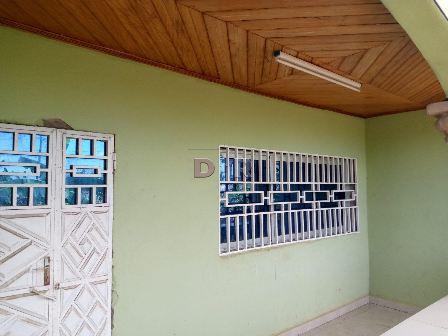 3 bedrooms apartment in fenced compound for residential/office